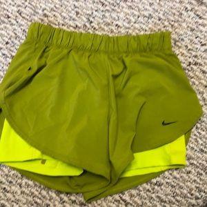 Like new Nike dry fit shirts size m